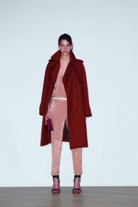 look_09 Cotton Gabardine trench coat $20500, Silk short sleeve top $6800, Silk cropped pants $12000