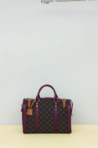 logo-medium-weekender-bag-burgundy $11500