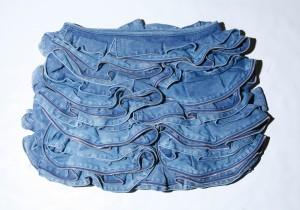 騾布褶皺裙,$7599,都幾貴