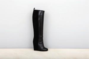 black-graphic-monochrome-tubular-boot
