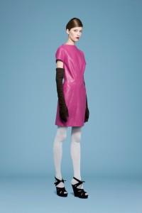 prefall look 24-I love pink leather, 但不會再買,因為不環保,而且以前買過好多次