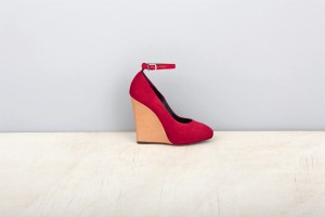 red-pump-wedge