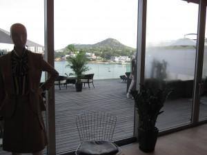 Cruise 2011 mannequins 對開是露台